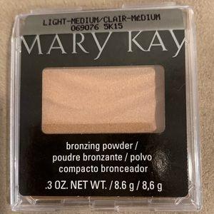 Mary Kay Mineral Bronzing Powder Desert Sun✨NEW✨